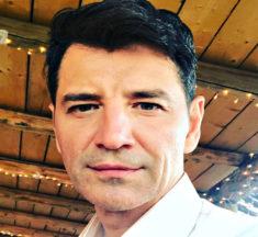 Σάκης Ρουβάς: Η απόπειρα αυτοκτονίας που δεν ήξερε κανείς! Πήγε να κόψει τις φλέβες του με αλουμινόχαρτο!